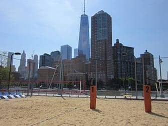 TriBeCa in New York - Pier 25 Beach-Volley