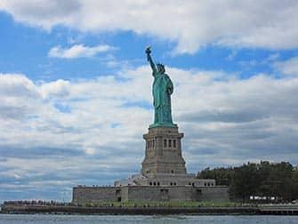 Circle Line Full Manhattan Island Cruise - Statue of Liberty