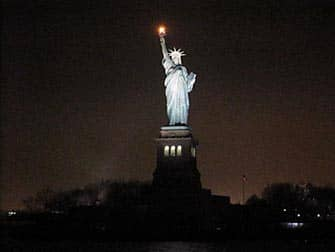 Circle Line: New York Harbour Lights Cruise - SOL at night