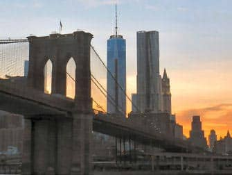 Circle Line: New York Harbour Lights Cruise - brooklyn bridge