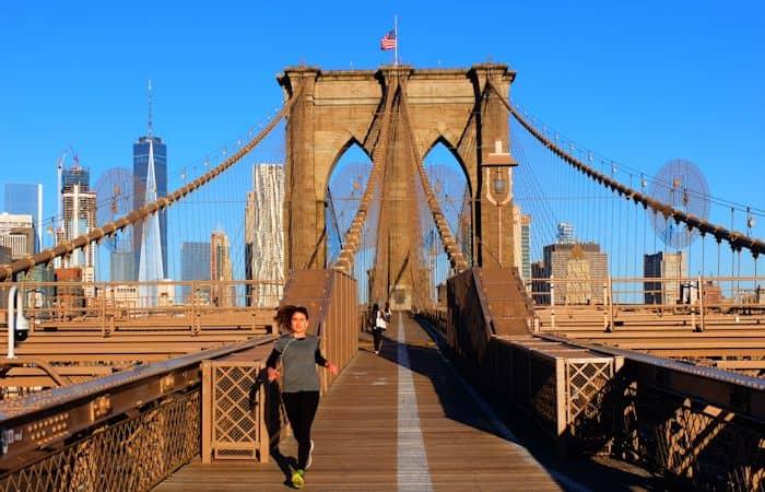 Brooklyn Bridge in New York - Walking