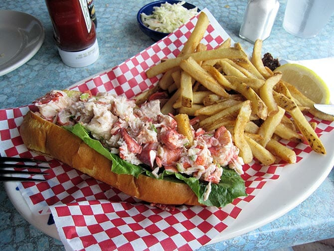 Day Trip to Boston - Lobster Roll