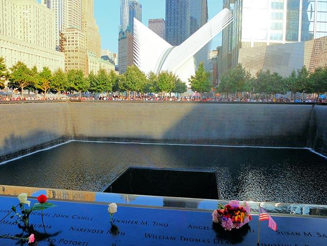 9/11 Memorial in New York - Roses