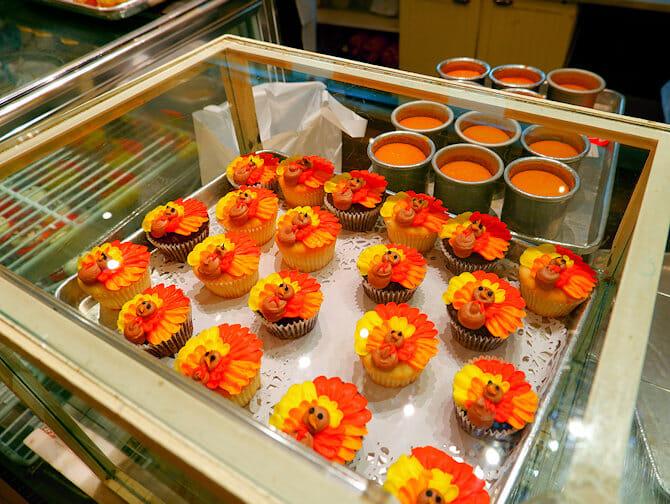 Best Cupcakes in New York - Magnolia Bakery cakes