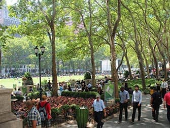 Parks in New York - Bryant Park in the summer