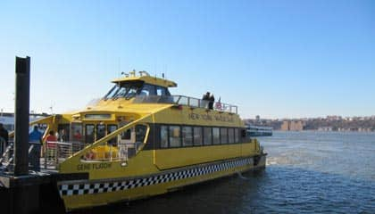 New York Harbour Hop-On Hop-Off Cruise - Water taxi New York