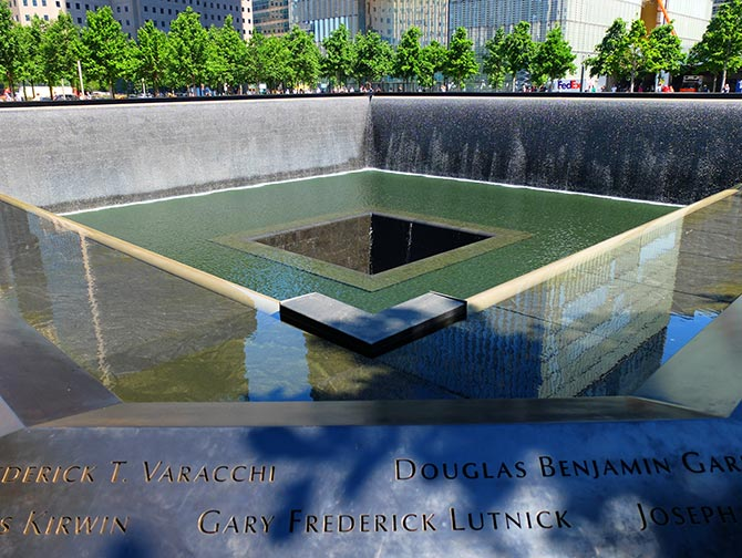 9/11 Memorial and Financial District Tour in New York - 9/11 Memorial