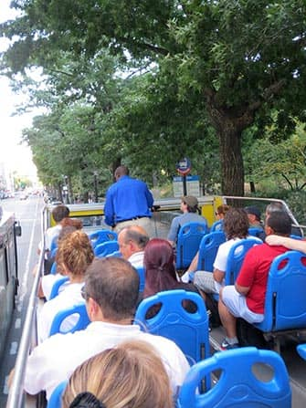 Hop-on Hop-off Bus in New York - Guide