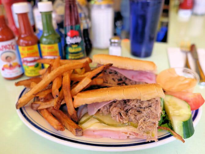 Car Rental Manhattan >> Typical American Food in New York - NewYorkCity.uk