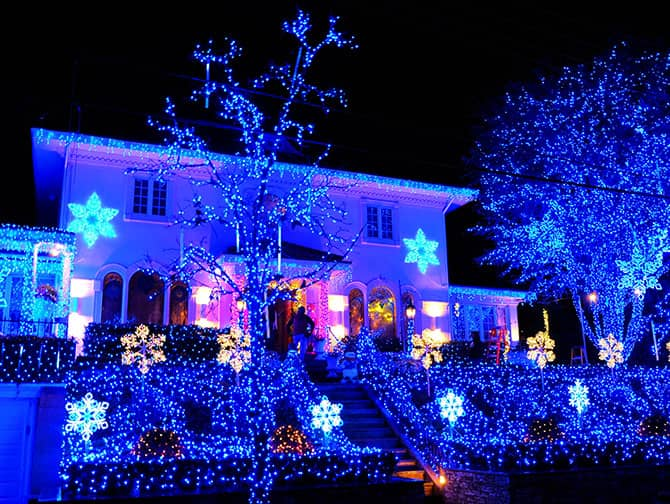 Dyker Heights Christmas Lights - Blue Lights
