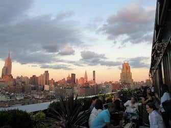 Rooftop Bar Tour in New York - PHD